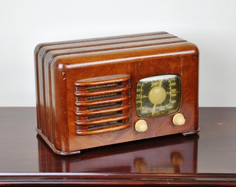Antique 1941 Zenith AM Radio Model 6D525 Plays And Looks Great.  FREE Shipping!