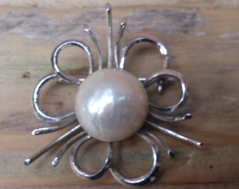 vintage sterling silver and real pearl brooch