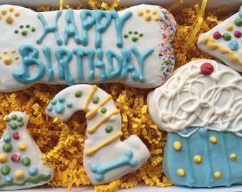 Dog Treats//Homemade Birthday Peanut Butter Treats for Dogs