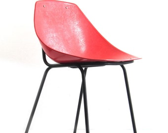 2 Pierre Guariche vintage pinkish red Coquillage chairs - fifties, mategot, eames, pierre paulin, sixties, colombo, artifort, arne jacobsen