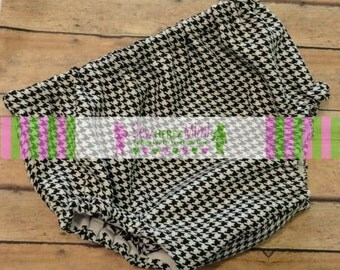 Black White Houndstooth Diaper Cover in Sizes Newborn, 0-3 mos, 3-6 mos, 12 mos, 18 mos, 24 mos