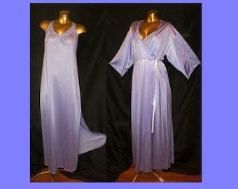 S Vtg REDUCeD! 2pc Peignoir Set Robe Gown NyLoN Lavender BUTTERFLY Lace LoNG SOFT SLiPPERY VFair SHiNY Sexy Elegant Pretty Femme EC Fibro