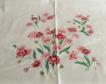 Vintage 1950s Pink/Red Daisies Tablecloth