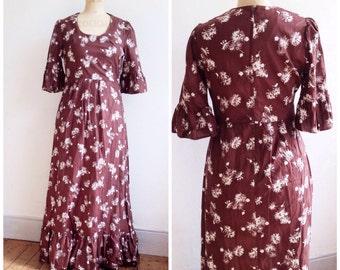 Vintage Folk maxi dress // long prairie dress // boho 70s hippie dress // brown cotton floral dress // long cotton dress // size 12 -14