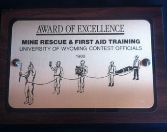 Award Of Excellence Mine Rescue & First Aid Training University Of Wyoming Contest Officials 1988 Plaque
