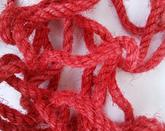 """25' (7.5 m) Red Sisal Rope, Fuchsia Sisal Rope, Dyed Chinese Red Color, 1/4"""" or 3/8"""" or 1/2"""" (6 mm, 10 mm or 12 mm)"""