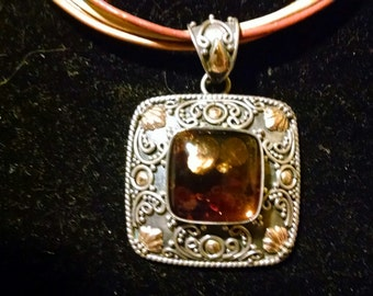 Vintage Signed BA Indonesia Sterling Silver with 18k Gold Accents Amber Pendant Necklace