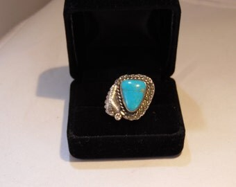 Native American Vintage Silver and Turquoise Ring
