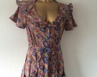 Buckle Under of London vintage floral dress size 12-14.