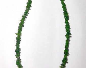 Diopside Stone chips necklace 44 cm around the neck