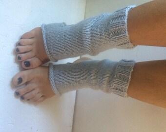 Hand Knit gray Pilates Socks   women tooless  Yoga Socks  gray  Dance Socks Slipper Socks Women socks men  Socks read to shiping
