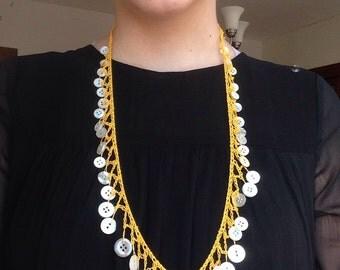 yello vintage button necklace