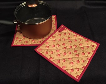 Rose Quilted, Insulated Pot Holder Set