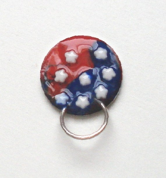 Id Card Beads: Magnetic Brooch Eyeglass Holder Red White And Blue Flag