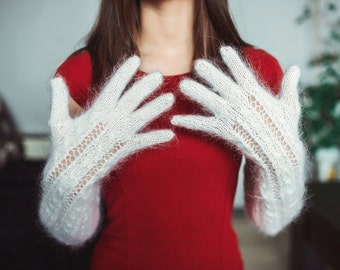Knitted white elbow  gloves with rare kind of goat down(Don goat)