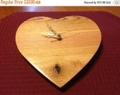 ON SALE Pallet Wood Heart Clock / Wall Mount / Old to New / Oak and Red Oak
