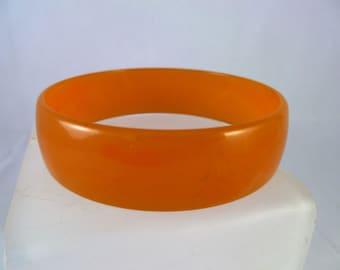 1940s Lightly Marbled Orange Bakelite Bangle 1.8cm