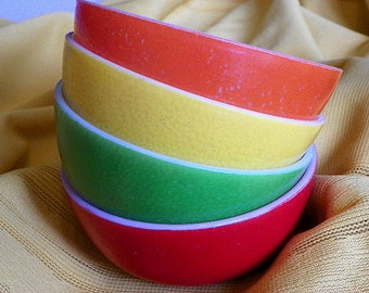 Multi Colored Classic Ice Cream Bowls Mid Century Set of 4