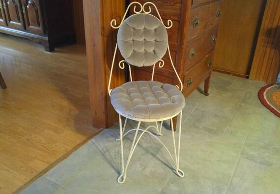 Vintage Boudoir Vanity Makeup Chair Metal Frame Tufted Button