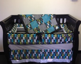 "4 pc Standard Crib Bedding Set ""Groovy Guitars"""