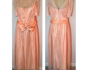 MOVING SALE 1940s / / / Salmon Lace Guaze Bow holiday Dress Large