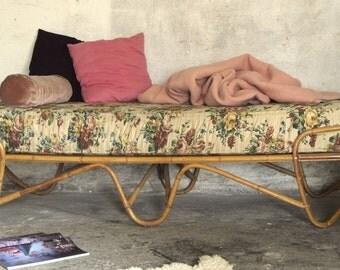 Vintage rotan bed  Rattan daybed