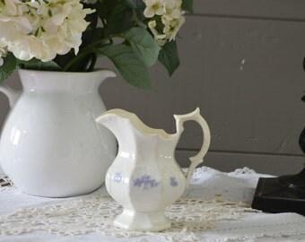 Very Pretty Vintage Chelsea china Blue creamer