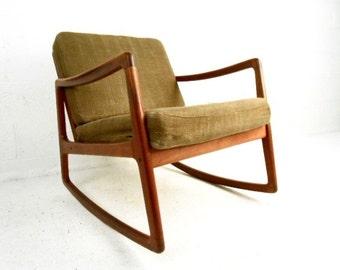 Mid-Century Modern France & Daverkosen Teak Rocking Chair (0623)RJ
