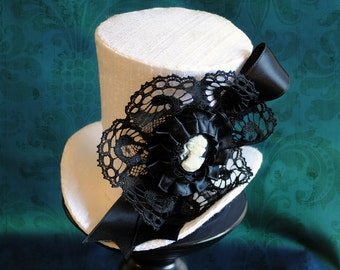 Victorian Bridal Mini Top Hat in White,Gothic Tea-party Mini Top Hat,Steampunk Fascinator-Made to Order