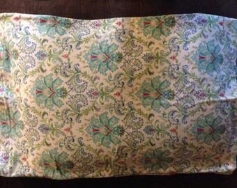 Floral pattern standard size pillowcase