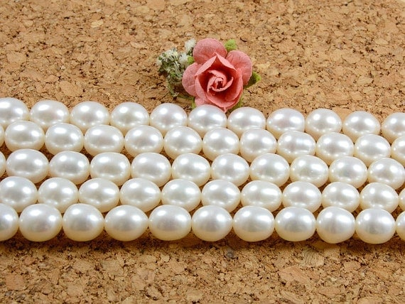 8mm-9mm AA+ Grade Gaenuine Freshwater Pearls in Rice/ Oval Shape, natural white -10 pcs or in Strand