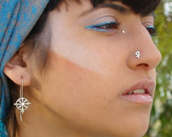 Venus Silver nose stud, tribal nose stud, nose pin, nose screw, nostril stud, small nose stud, 925 nose stud, Female Symbol nose Stud
