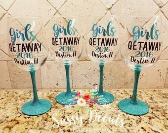 Girls getaway - bachelorette - birthday - vacation glitter wine glass