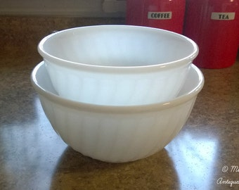 Anchor Hocking Fire-King White Swirl Mixing Bowls 9-inch and 8-inch
