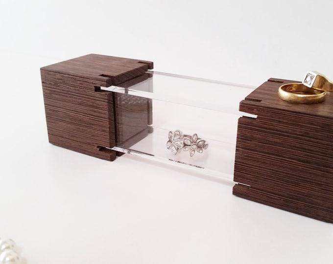 Mini Jewelry Showcase