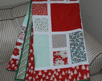 FREE SHIPPING!  Frosted Christmas Quilt