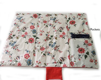 Changing Mat / Changing Pad  Travel for babies. Has 2 pockets for Diapers and Wipes