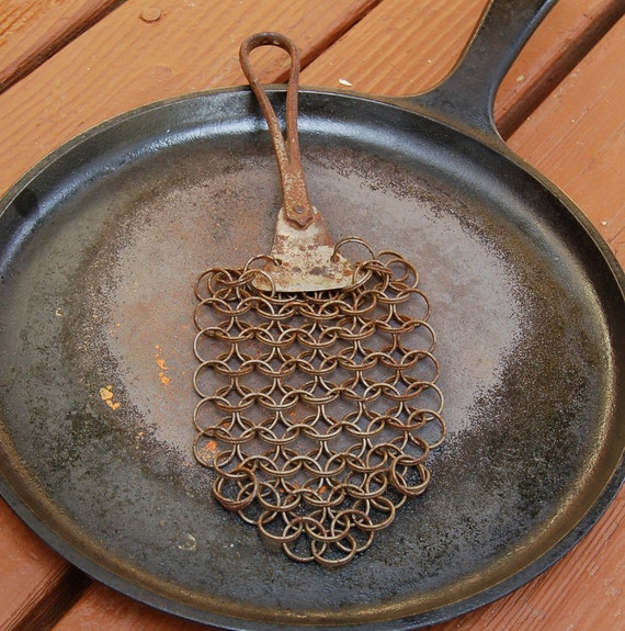 Wire chainmail pot scrubber vintage cast iron