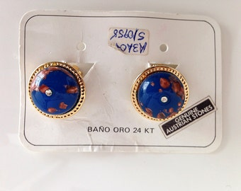 Vintage 80s Blue Round Earrings with a shiny crystal. Clip-ons.