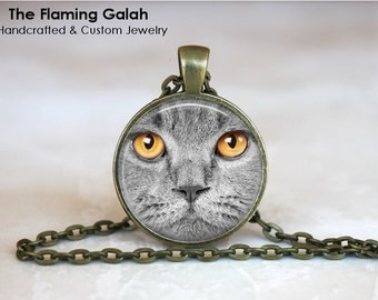 GREY CAT FACE Pendant •  Cat's Eyes •  Grey Kitten •  Cat Lover •  Cat Jewellery • Gift Under 20 • Made in Australia (P0114)