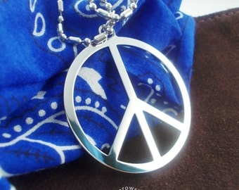 Peace Sign Necklace pendant (free shipping) - stainless steel