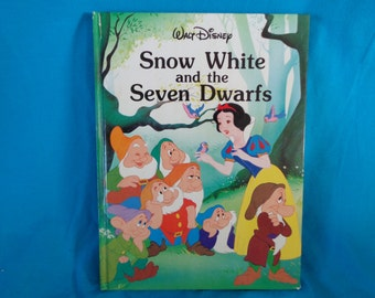Vintage 1986 Walt Disney Snow White and the Seven Dwarfs book