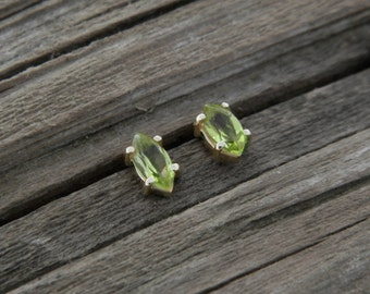 Gold studs with olivine, peridote stud earrings solid gold
