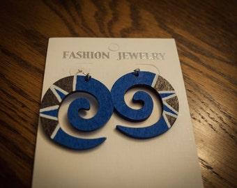 Blue and White Swirl Earring
