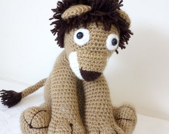 Roar! i'm the king of the jungle says Leonard the cuddly lion crocheted toy by Liz