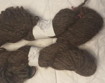 Super soft Llama yarn - dk-worsted weight - natrual color - handspun - 2 ply - 2 skeins - 250 yards