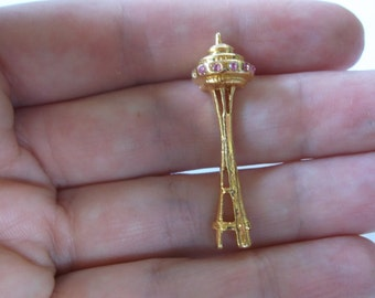 Vintage Space needle Pin Brooch, Seattle Space Needle with Pink Rhinestones in gold tone metal