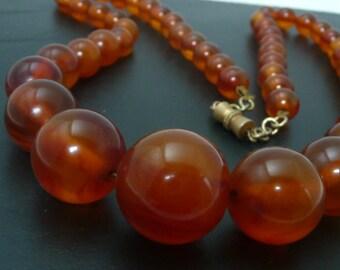 French Bakelite Necklace // Art Deco  Cognac Amber Bakelite Necklace // CarmaPearls Vintage Jewelry