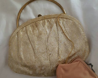 Vintage womens handbag with change purse and mirror classic accessories