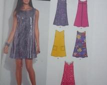 Loose fitting dress pockets mini 2013 sewng pattern, Bust 32 34 36 38 40 42 44, Size 10 12 14 16 18 20 22, New Look A 6125, CarolJoyFashions